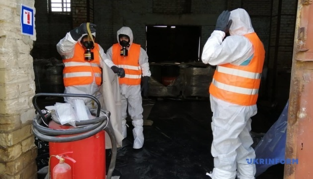 Пестициди з Херсонщини вивозять на утилізацію до Франції