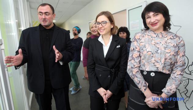 Молодим вчителям виплачуватимуть одноразову грошову допомогу – Новосад