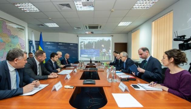 Зеленський відвідав офіс місії ОБСЄ — говорили про розведення військ