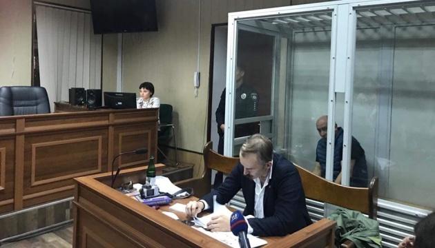Комунальна драма у Києві: стрільця взяли під варту без права на заставу
