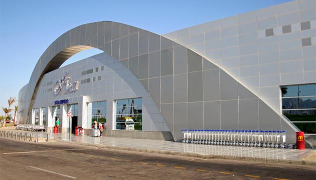 Літак із Запоріжжя задимівся в аеропорту Шарм-ель-Шейха