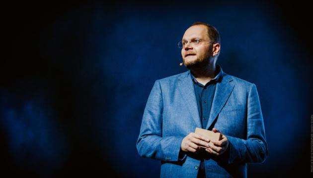 Певцов, которые выступают в России, не надо пускать на Евровидение — Бородянский