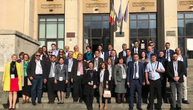 Члены украинского ЦИК наблюдали за выборами президента Румынии