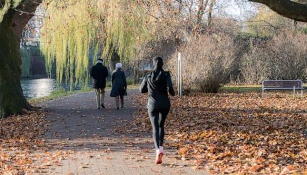 15-хвилинні прогулянки можуть збільшити світову економіку на $100 мільярдів
