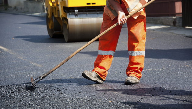 На Донеччині ремонтують дорогу в об'їзд окупованих територій