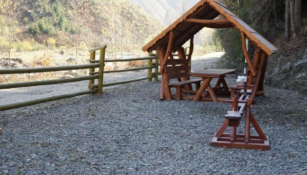 Закарпатські лісівники створили нове місце відпочинку для туристів