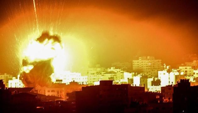 Ізраїль з повітря обстріляв позиції руху ХАМАС