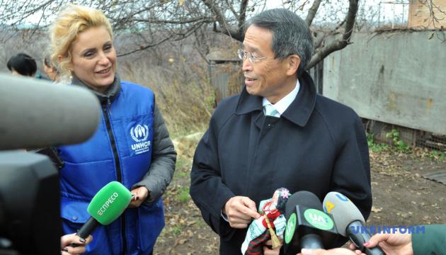 日本大使、東部ルハンシク州で同国支援先施設を訪問