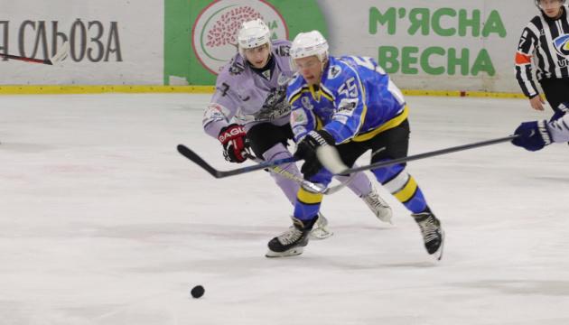 УХЛ: «Дніпро» розгромило «Крижаних Вовків»