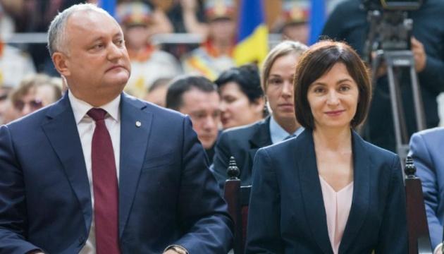 Перед вторым туром выборов в Молдове Додон вызвал Санду на дебаты