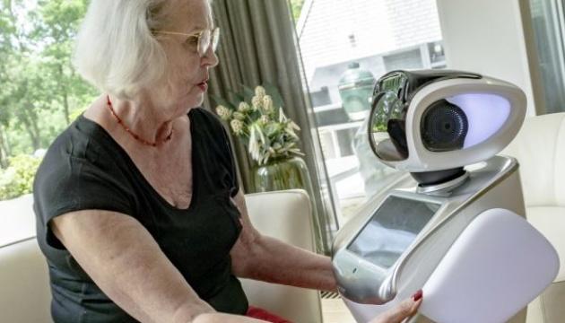 У Нідерландах робот Сара доглядає людей похилого віку