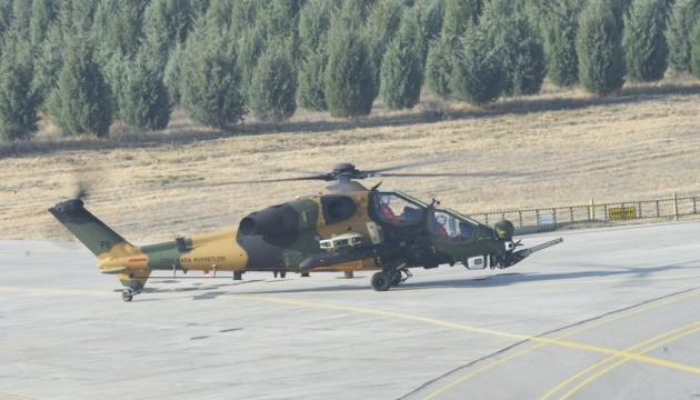У Туреччині відбулись перші випробування нового вертольота ATAK FAZ-2