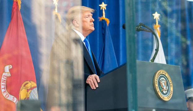 Решение заморозить помощь Украине исходило от Трампа — заместитель Помпео