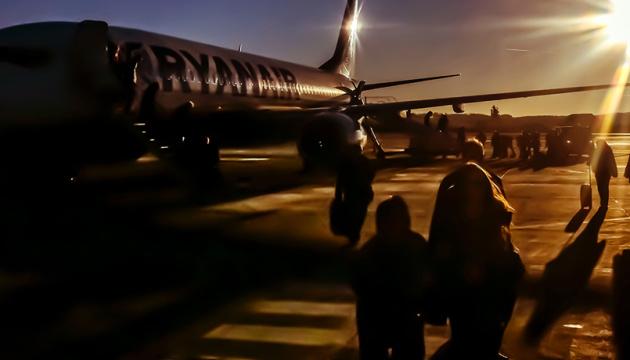 Літак Ryanair сів в аеропорту Берліна через повідомлення про бомбу на борту