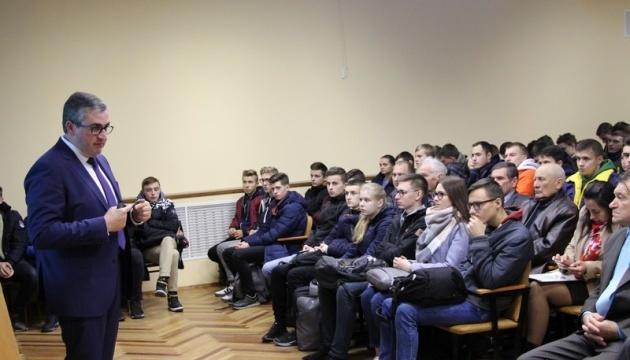 Голова Вінницької ОДА розповів студентам про пріоритети розвитку регіону