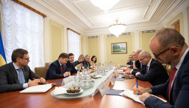 Zelensky, G7 Ambassadors discuss corruption and reforms