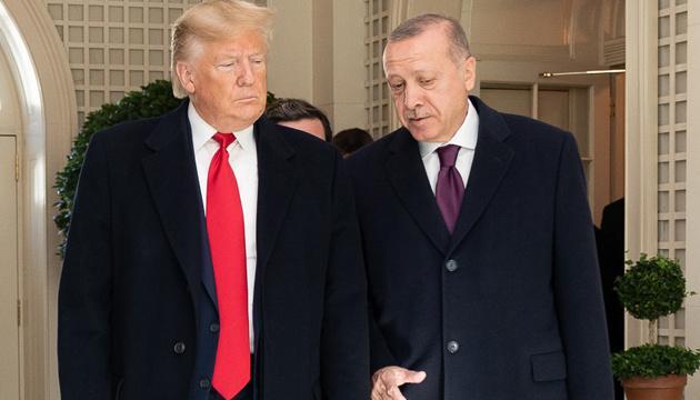 Трамп і Ердоган домовилися про співпрацю у боротьбі з Covid-19