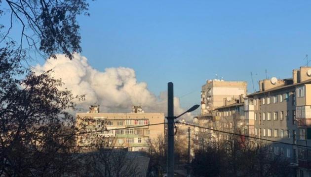 На арсенале в Балаклее прогремели взрывы, начался пожар