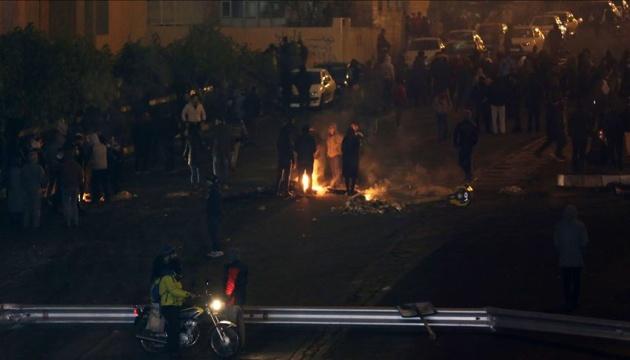 В Иране во время акций протеста убили полицейского