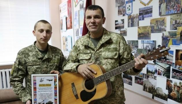 На Международном фестивале военной авторской песни победила группа из Десны