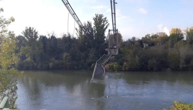 У Франції обвалився міст, загинула дитина