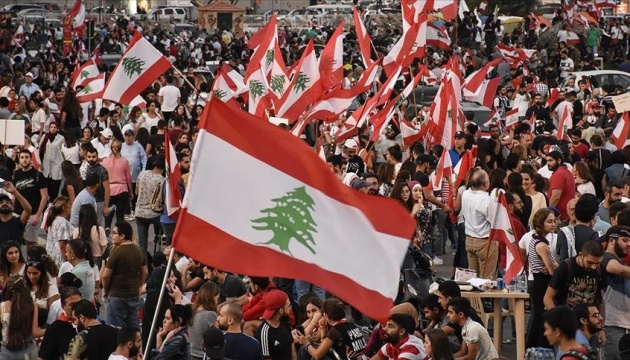 В Ливане протестующие заблокировали дороги в парламент