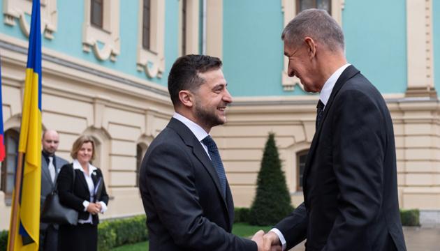 Зеленський пояснив, чому зустрів прем'єра Чехії неголеним