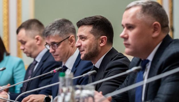 """Деокупація і політв'язні: Зеленський хоче почути на """"нормандській зустрічі"""" чіткі терміни"""