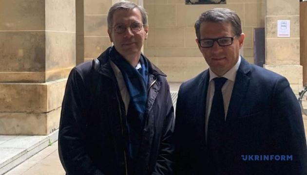 Французький посол із прав людини зустрівся із Сущенком
