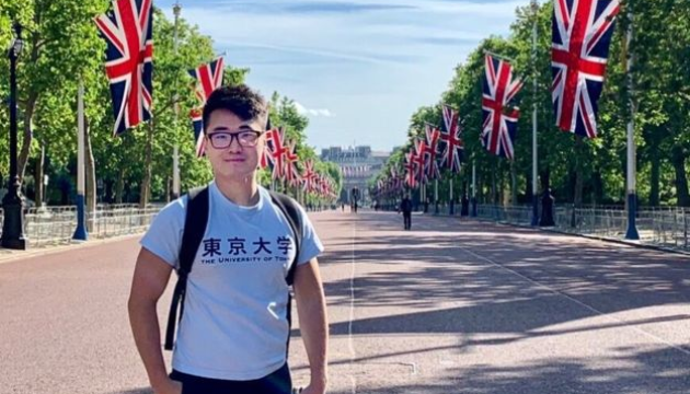 Експрацівник консульства Британії розповів, як його катували спецслужби Китаю