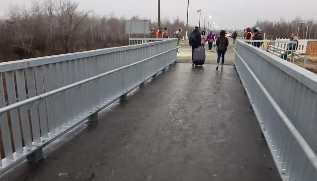 【写真】大統領、新設のスタニツャ・ルハンシカの橋を視察