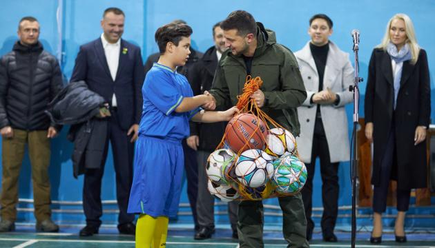 Зеленський у Станиці побував на шкільному турнірі з міні-футболу