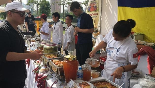 Український павільйон на ярмарку в Ханої відвідали більше тисячі гостей