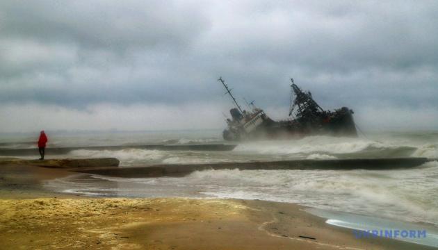 Підйом танкера Delfi з мілини можуть почати за тиждень