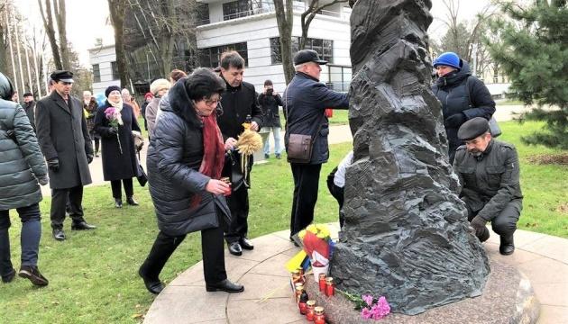 У Латвії вшанували пам'ять жертв Голодомору і полеглих на Майдані