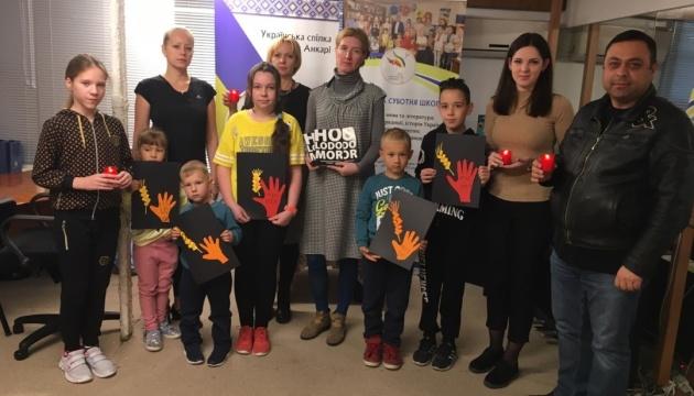 Українські громади Туреччини вшанували пам'ять жертв Голодомору