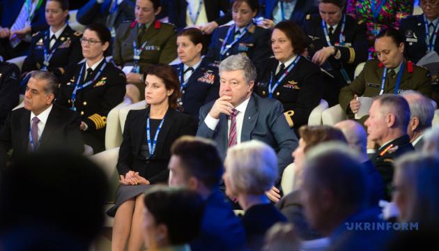 В вопросе помощи Украине Порошенко не видит разницы между Обамой и Трампом