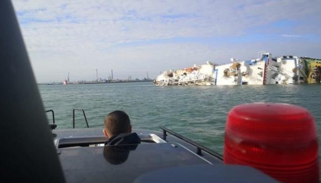 В Черном море перевернулось грузовое судно, перевозившее 14 тысяч овец