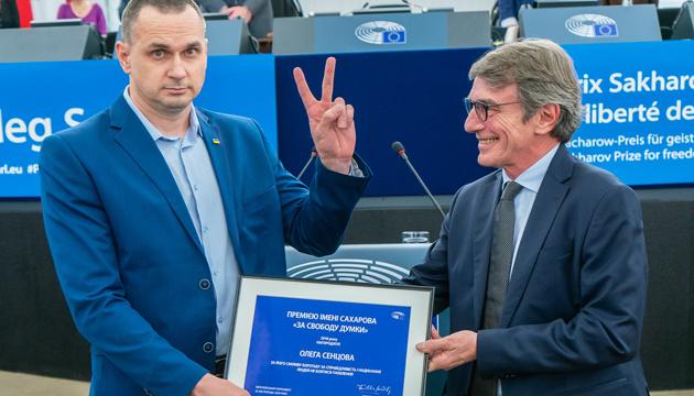 Sentsov accepts Sakharov Prize in Strasbourg