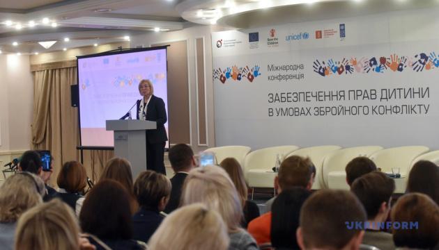 Près de 200 000 enfants de Donbass et de Crimée occupée ont été forcés de quitter leur domicile