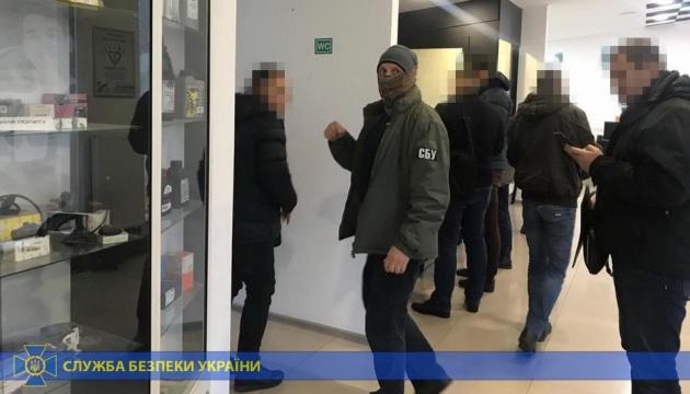 """Чиновники вкрали на незаконному розмитненні """"євроблях"""" 44 мільйони"""