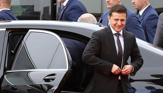 ゼレンシキー大統領、4国首脳会談会場に到着