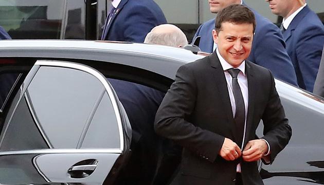 Зеленського назвали політиком року 46% українців —