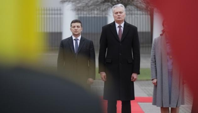 ゼレンシキー大統領、リトアニア大統領と電話会談 宇EU首脳会談で期待する成果に言及