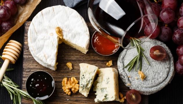 Чорний маркет, вечірка з обіймами та сир під вино: осінньо-зимова афіша