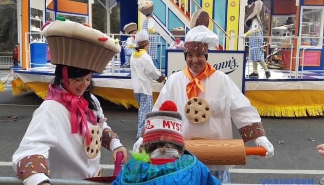У парад до Дня подяки у Нью-Йорку втрутився вітер