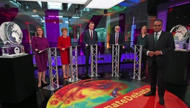 Прем'єра Британії на теледебатах замінили скульптурою з льоду