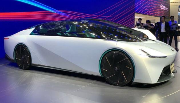 У Китаї створили футуристичний суперкар без дверей