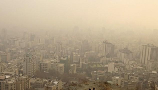 В Ірані через смог закрили школи та університети