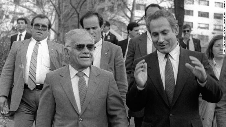 Іцхак Шамір та Біньямін Нетаньягу, 1987 рік